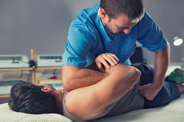 روش کایروپراکتیک در بهبود درد ستون فقرات